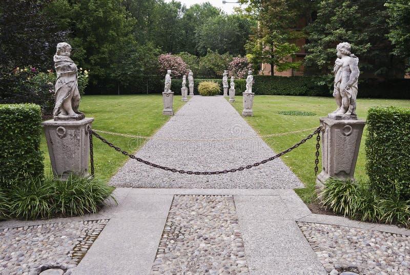 Italienischer klassischer Garten lizenzfreie stockfotografie