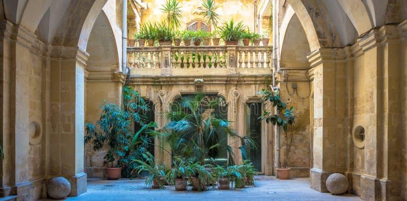 Landhaus Eingang italienischer landhaus eingang stockbild bild stein fassade