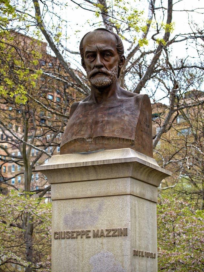 Italienischer Patriot Giuseppe Mazzini Statue Central Park Manhattan New York City des Bronzeporträtfehlschlags lizenzfreies stockfoto