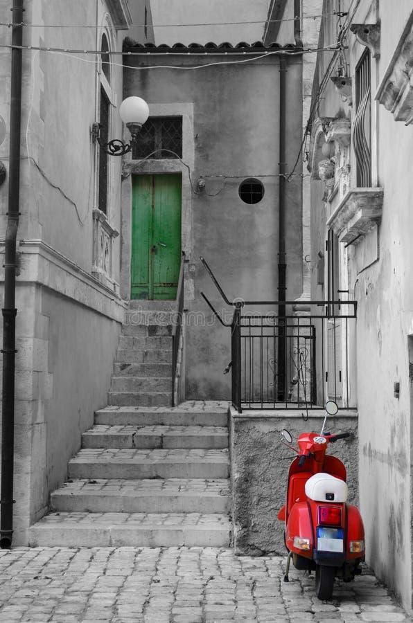 Italienischer Roller in Rom lizenzfreies stockfoto