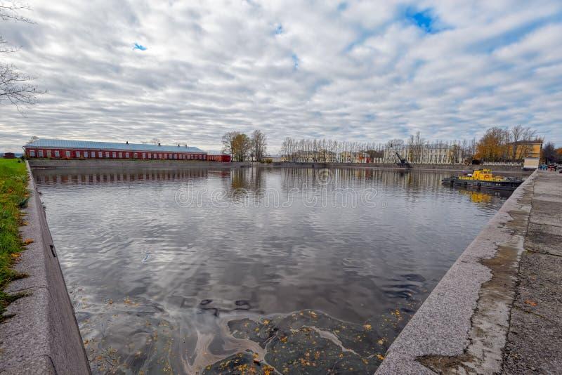 Italienischer Teich in Kronshtadt stockfotografie