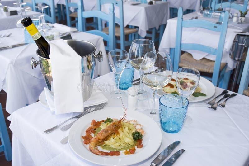 Italienischer Teller stockfotos