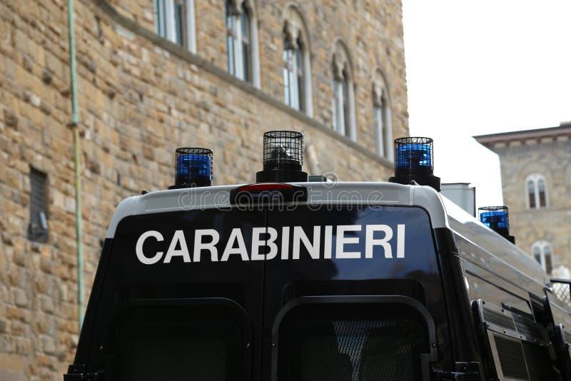 Italienisches Auto Carabinieri-Polizei mit Sirenen lizenzfreie stockbilder