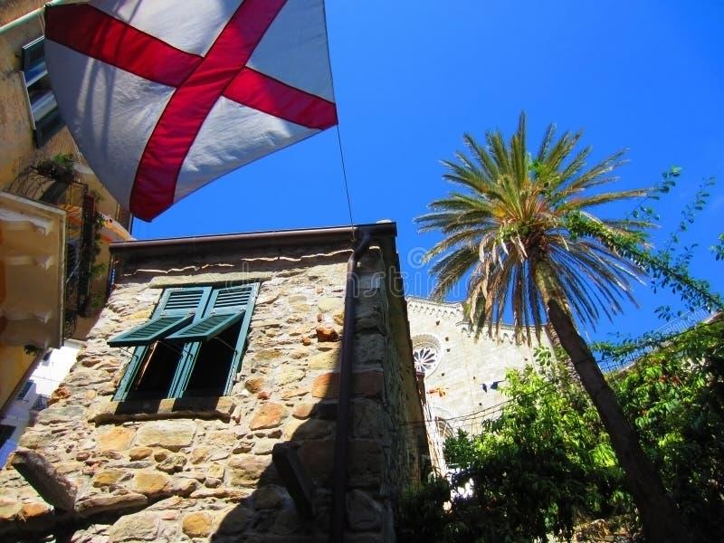 Download Italienisches Dorf stockfoto. Bild von europa, betriebe - 26353114