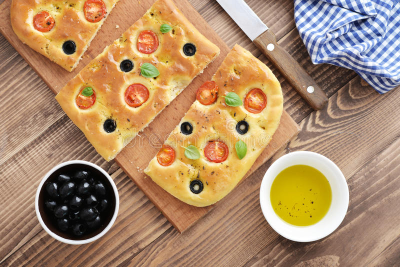 Italienisches Lebensmittel - traditionelles focaccia stockbilder