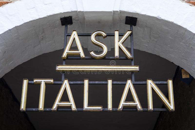 Italienisches Restaurant fragen lizenzfreie stockfotografie