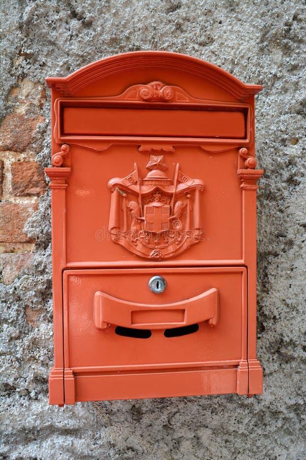 Italiensk brevlåda arkivbild