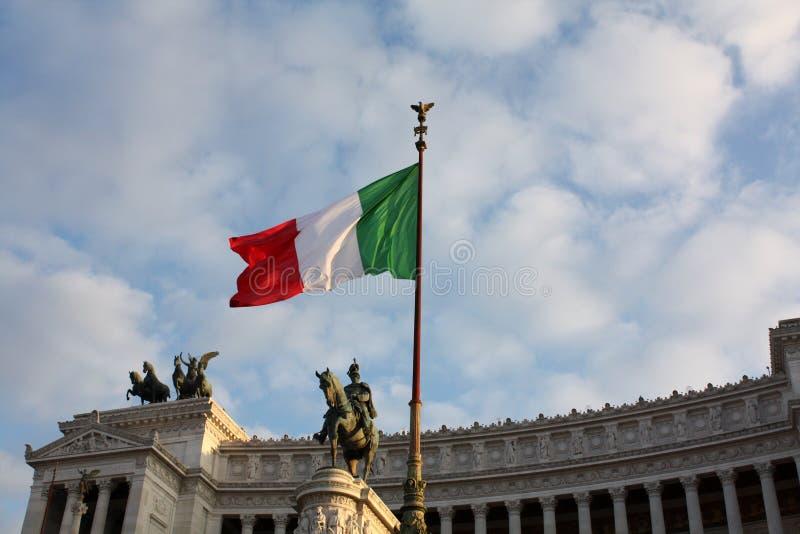 Italiensk flagga i Rome Vittoriano Italy arkivfoto