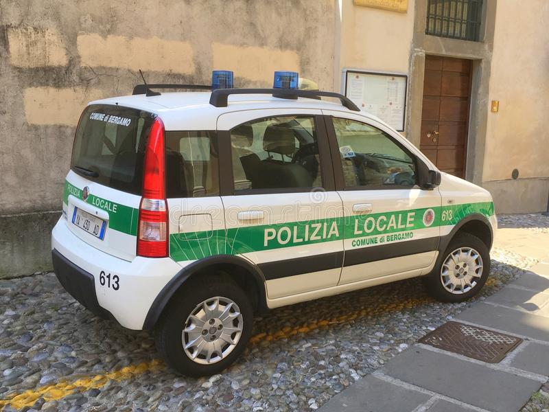 Italiensk närpolisbil, Fiat Panda royaltyfri fotografi