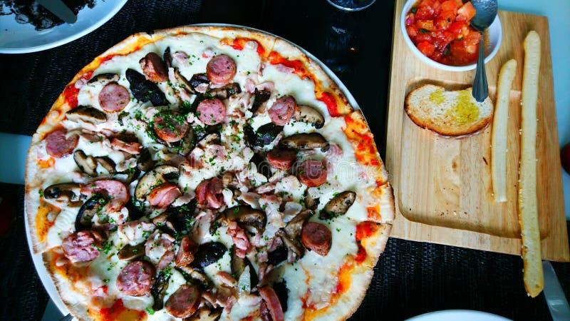 italiensk pizza arkivfoto