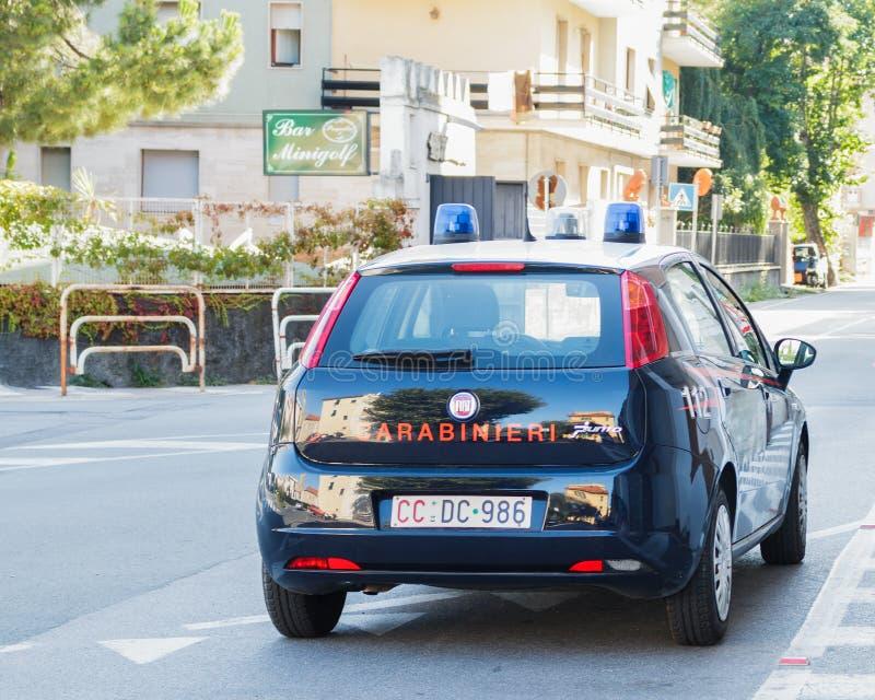 Italiensk polissäkerhetsbil fotografering för bildbyråer