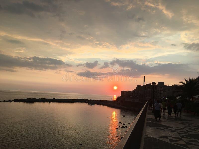 Italiensk solnedgång fotografering för bildbyråer