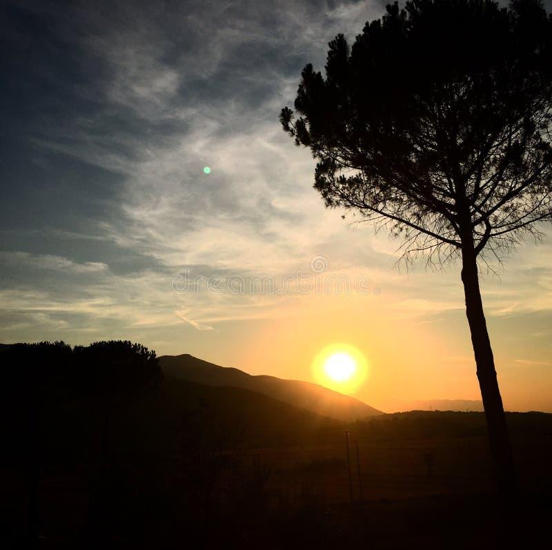 Italiensk solnedgång arkivbild