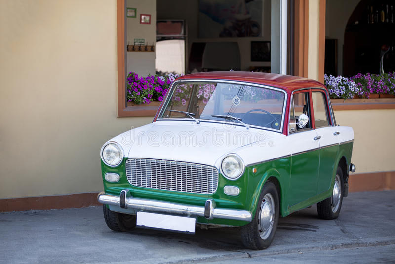 Italiensk tappningbil arkivbilder