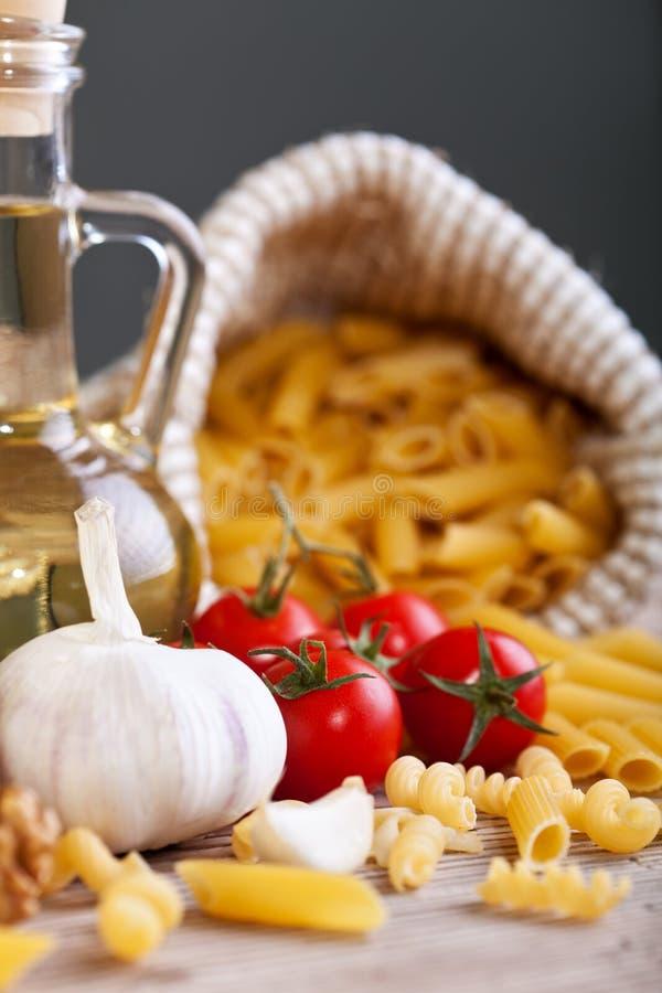Italienska kokkonstspecificingredienser royaltyfria foton