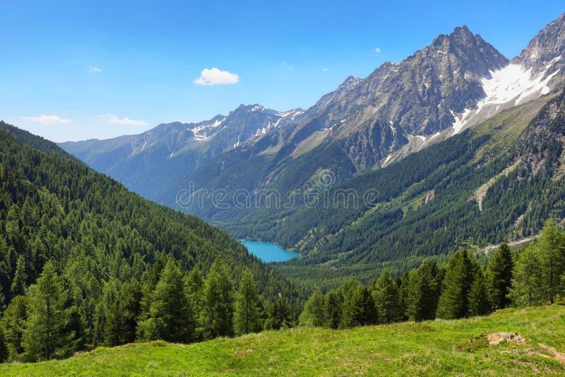 Italienska sjön Anterselva från Stalle Pass, Italien arkivbild