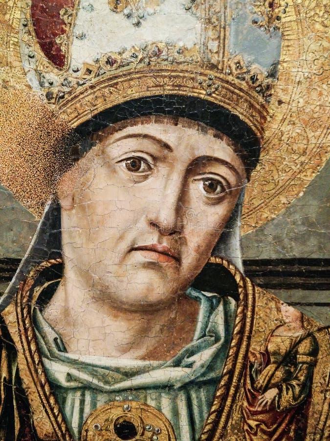 Italy Herança artística Retablo di Sant 'Eligio um tríptico dobro, termina com predella e polvarolo pelo mestre de Sanluri fotos de stock