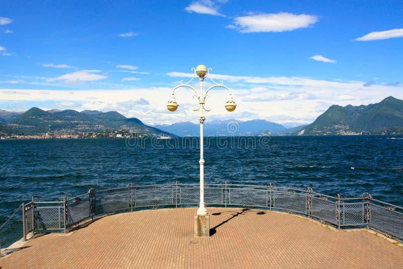 italy jeziorny maggiore widok zdjęcia royalty free