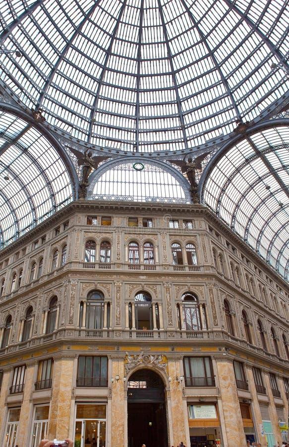 Italy. Nápoles. Público galão do século de Umberto da galeria foto de stock royalty free