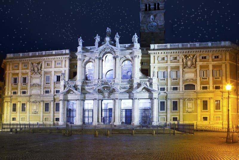 Italy roma Basílica do maggiore de Santa Maria na iluminação da noite fotos de stock