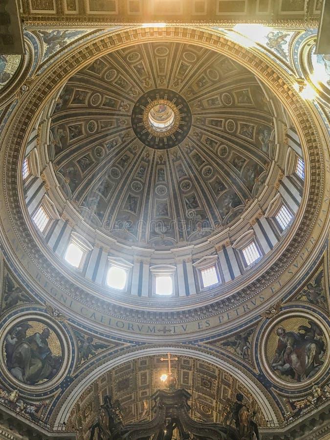 italy rome vatican Inre av basilikan för St Peter ` s royaltyfri foto