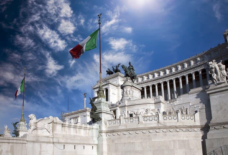 italy rome Vittoriano- en monument i heder av den första konungen av den inkorporerade Italien victoren Emmanuil II royaltyfri foto