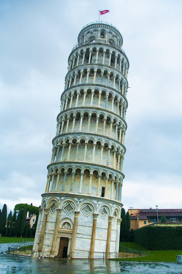 italy som lutar det pisa tornet arkivbild
