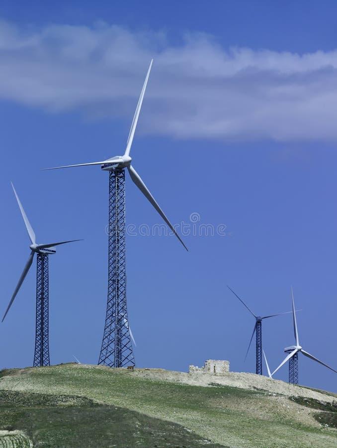 Italy, turbinas eolic da energia imagens de stock
