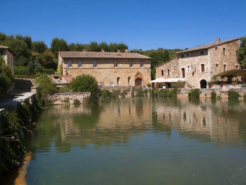 https://thumbs.dreamstime.com/b/italy-tuscany-bagno-vignoni-spa-village-near-siena-orcia-valley-70985491.jpg