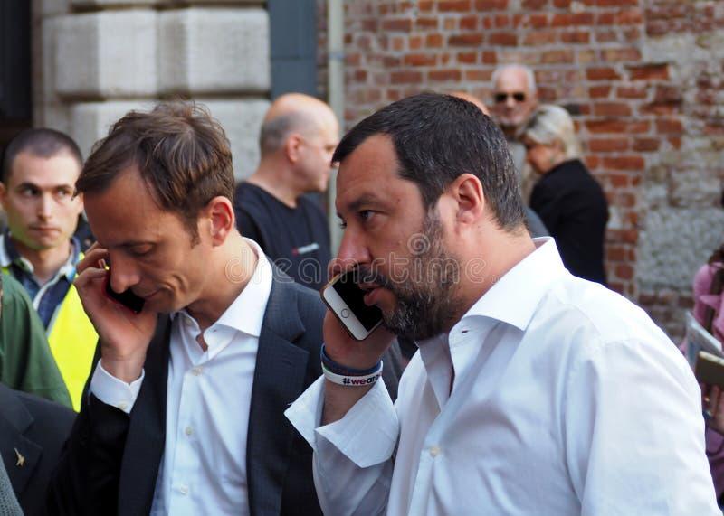 italy udine April 27 2018: Matteo Salvini ledare av Legaen Nord, med Massimiliano Fedriga, kandidatregulator av regionen arkivfoto