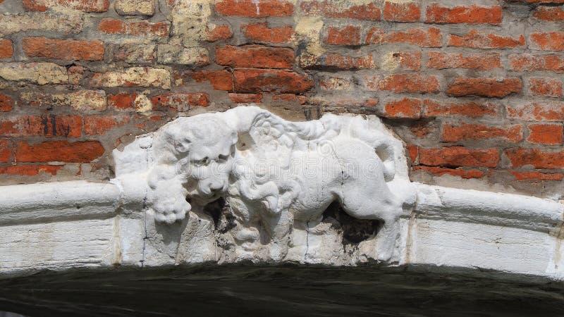 italy venezia Lew ?wi?tego Marco symbol obecno?? Wenecja na r??nych zabytkach i budynkach obrazy stock