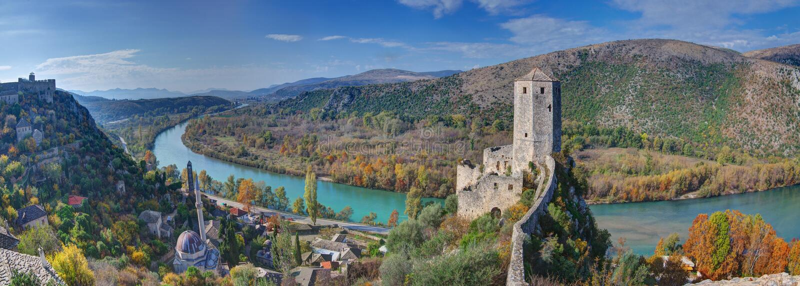 """Itelj för  för Poà """"i Bosnien och Hercegovina - gammal fästning, panorama arkivbilder"""