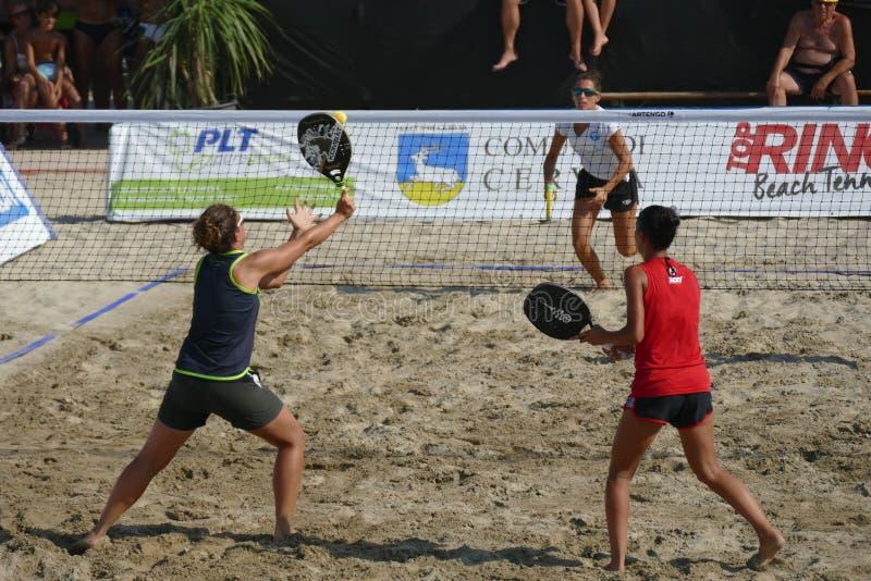ITF Wyrzucać na brzeg Tenisowego Światowego mistrzostwa †2017 'kobiety Podwajają finał zdjęcia stock