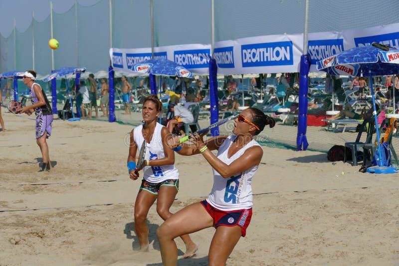 ITF Wyrzucać na brzeg Tenisowego Światowego mistrzostwa †2017 'kobiety Podwajają określnika zdjęcia stock