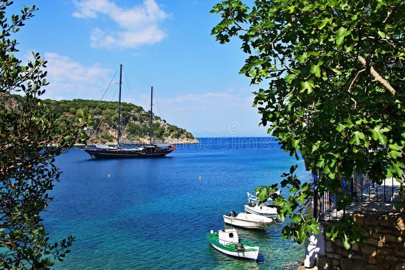 Ithaki-vista de Grécia, ilha da costa perto de Kioni imagens de stock royalty free