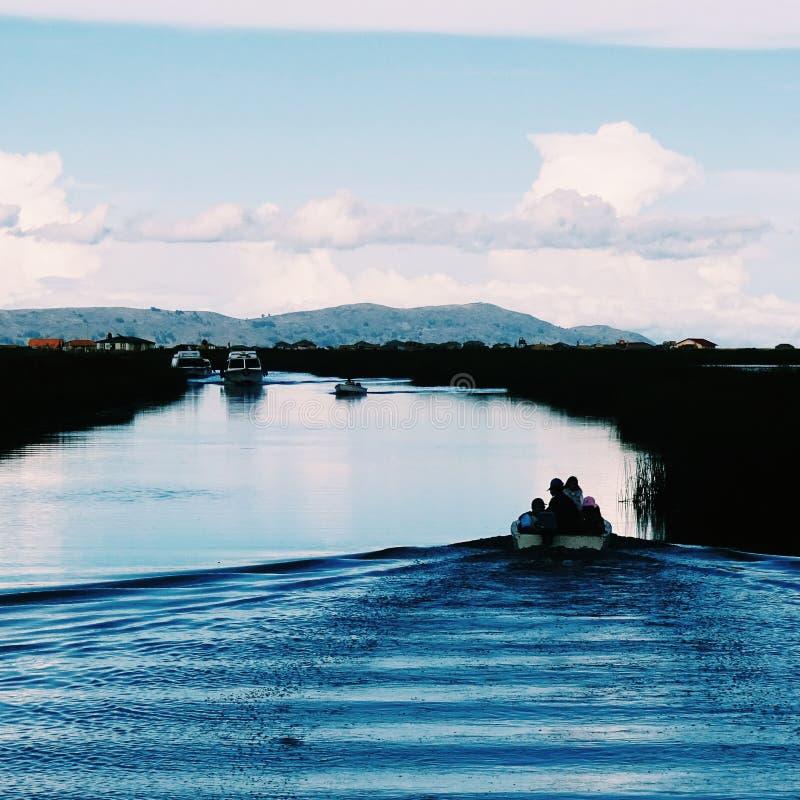 Itinéraire à Uros image stock