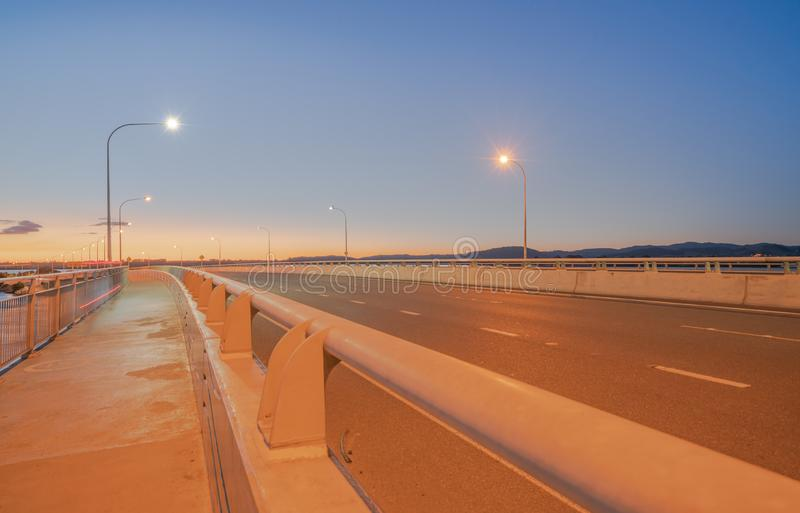 Itinéraire de transport de pont de port de Tauranga image stock