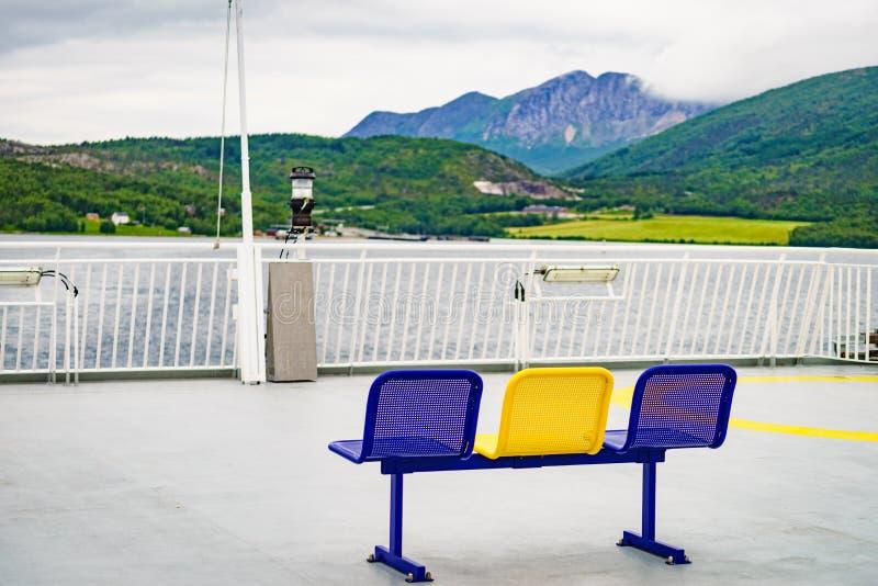 Itin?raire de tour de ferry-boat vers des ?les Norv?ge de Lofoten photo libre de droits