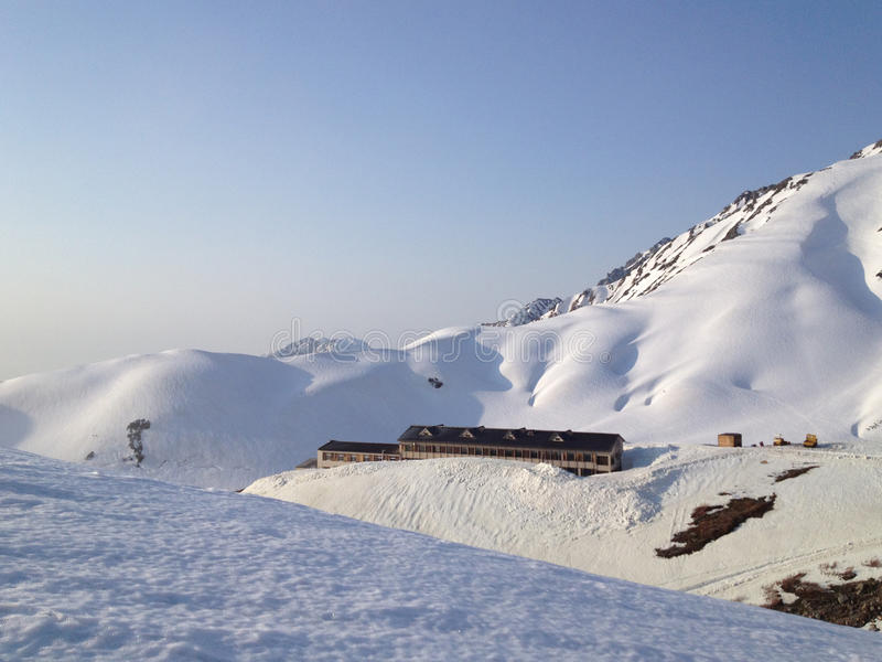 Itinerario alpino di Tateyama Kurobe (alpi del Giappone) fotografia stock libera da diritti