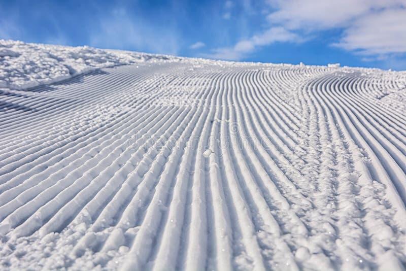 Itinerario ben preparato dello sci Giorno pieno di sole immagine stock libera da diritti