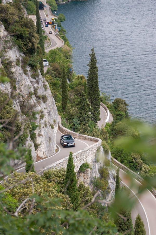 Itinerario scenico di Gardesana Occidentale, Italia immagini stock libere da diritti
