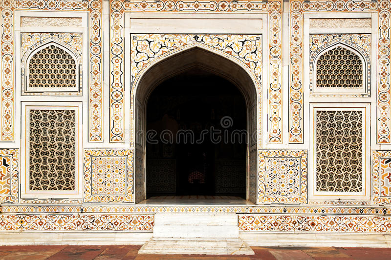 Download Itmad-ud-Daula's Tomb Is A Mughal Mausoleum. Stock Photo - Image: 24356234