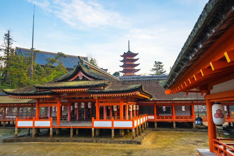 Itsukushimaheiligdom in Miyajima-eiland, Japan royalty-vrije stock afbeeldingen