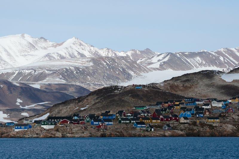 Ittoqqortoormiit wioska w Greenland fotografia royalty free