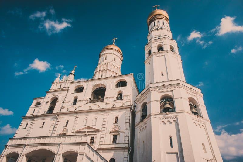 Ivan de Grote Klokketoren in Moskou complexe het Kremlin stock afbeeldingen