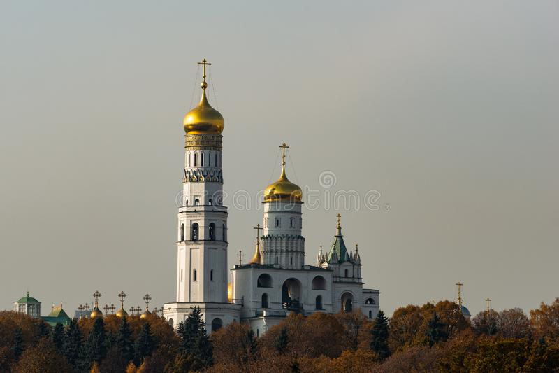 Ivan den stora klockstapeln för klockatorn av MoskvaKreml arkivbilder