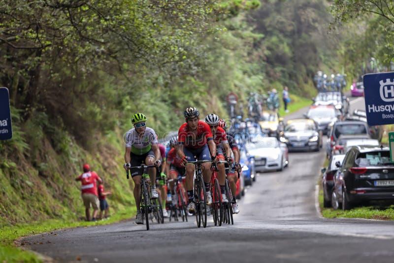Ivan Garcia-Cortina, der eine Gruppe zieht, die im Bruch am Kopf des Rennens war stockfotos