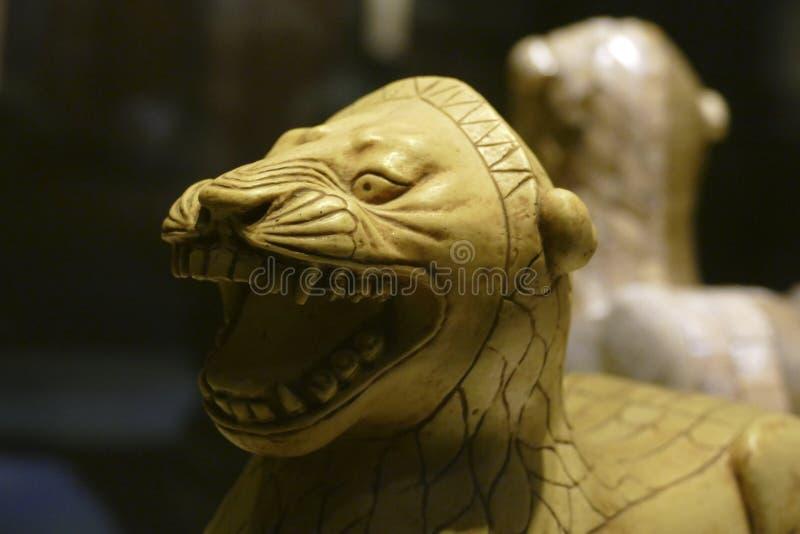 Ivory standbeeld van de leeuw van Alintepe royalty-vrije stock foto's