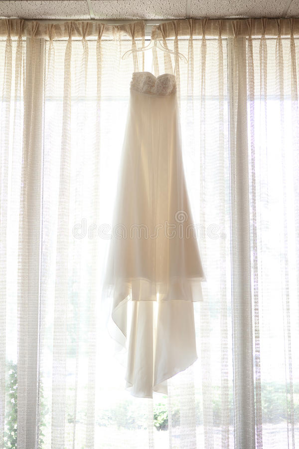 Download Ivory Wedding Dress Royalty Free Stock Photography - Image: 16123367