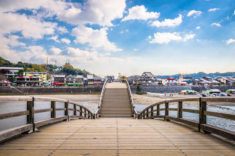 Iwakuni, Giappone al ponte di Kintaikyo fotografie stock
